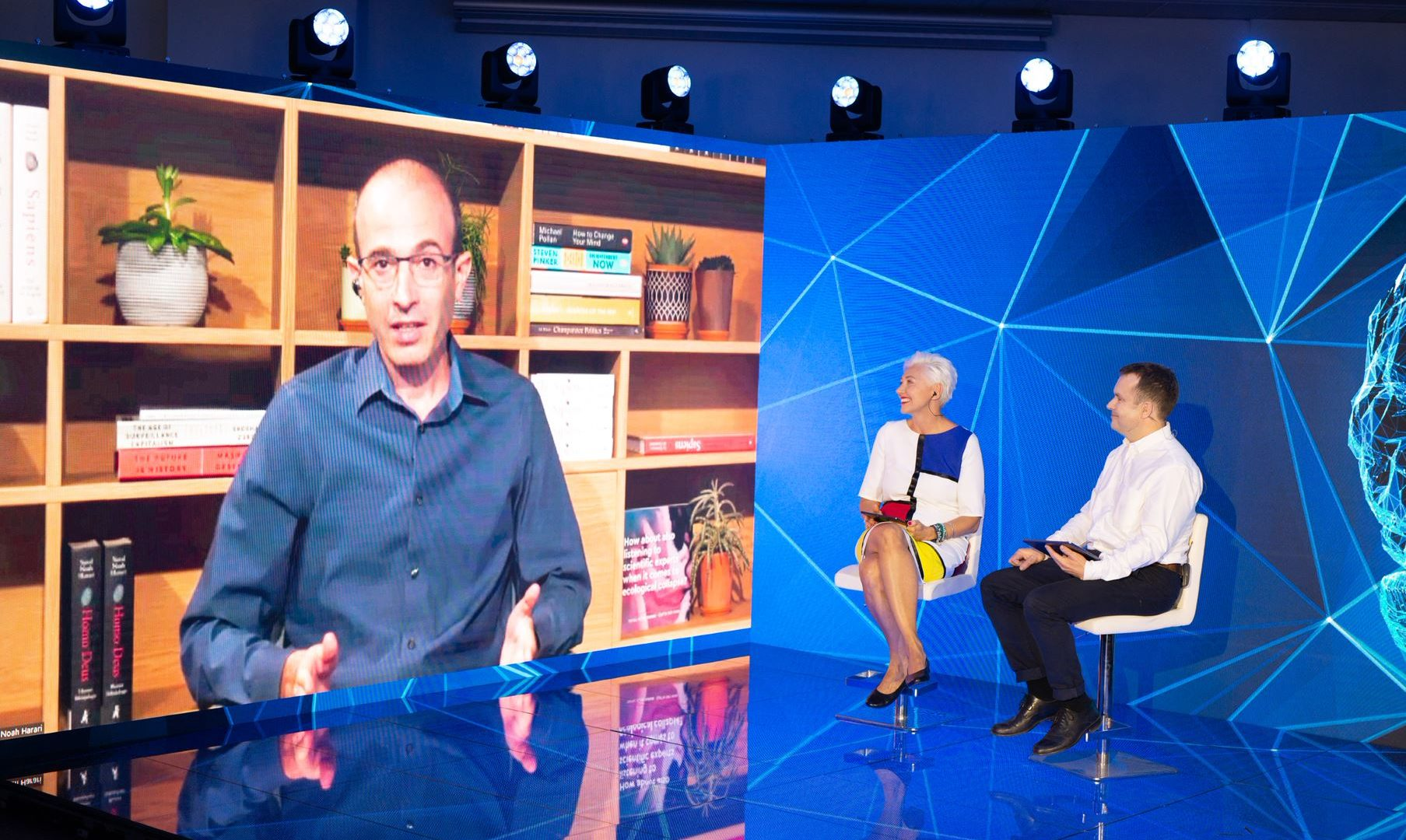 Yuval Noah Harari was a speaker at Masters & Robots 2020, hosted by Jowita Michalska of Digital University and Richard Stephens of Poland Today